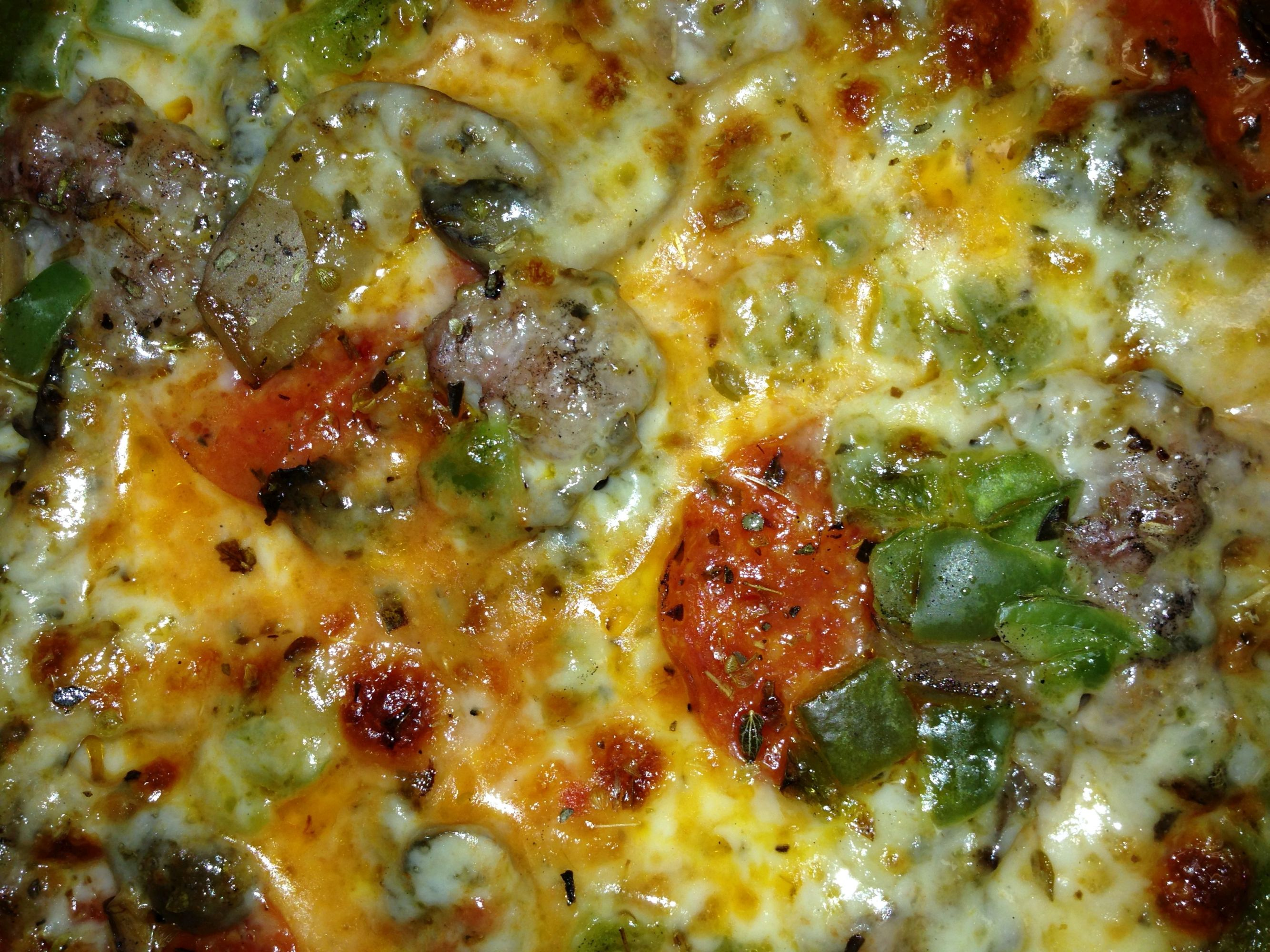 Zoom Fricanos EBA Everything But Anchovies, Pepperoni, Italian Sausage, Mushroom & Green Pepper Pizza Zoom.JPG